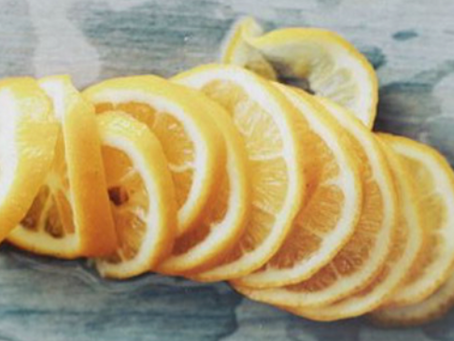 25 reasons to start drinking lemon water every morning
