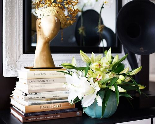 Decorating-with-Books (1).jpg