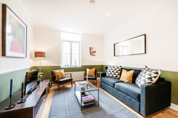 Colourful Gloucester Mansion Flat
