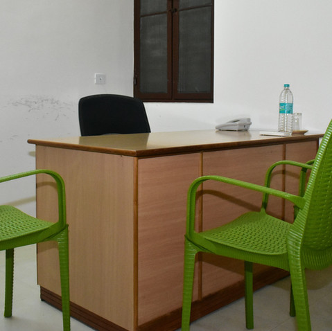 10 Pillar Center - Suite Room.jpg