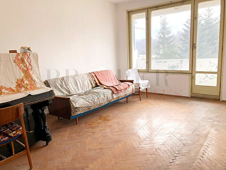 Просторен Апартамент за Продажба в гр. Габрово
