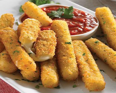 Bastoncitos de queso Dambo rebozados.