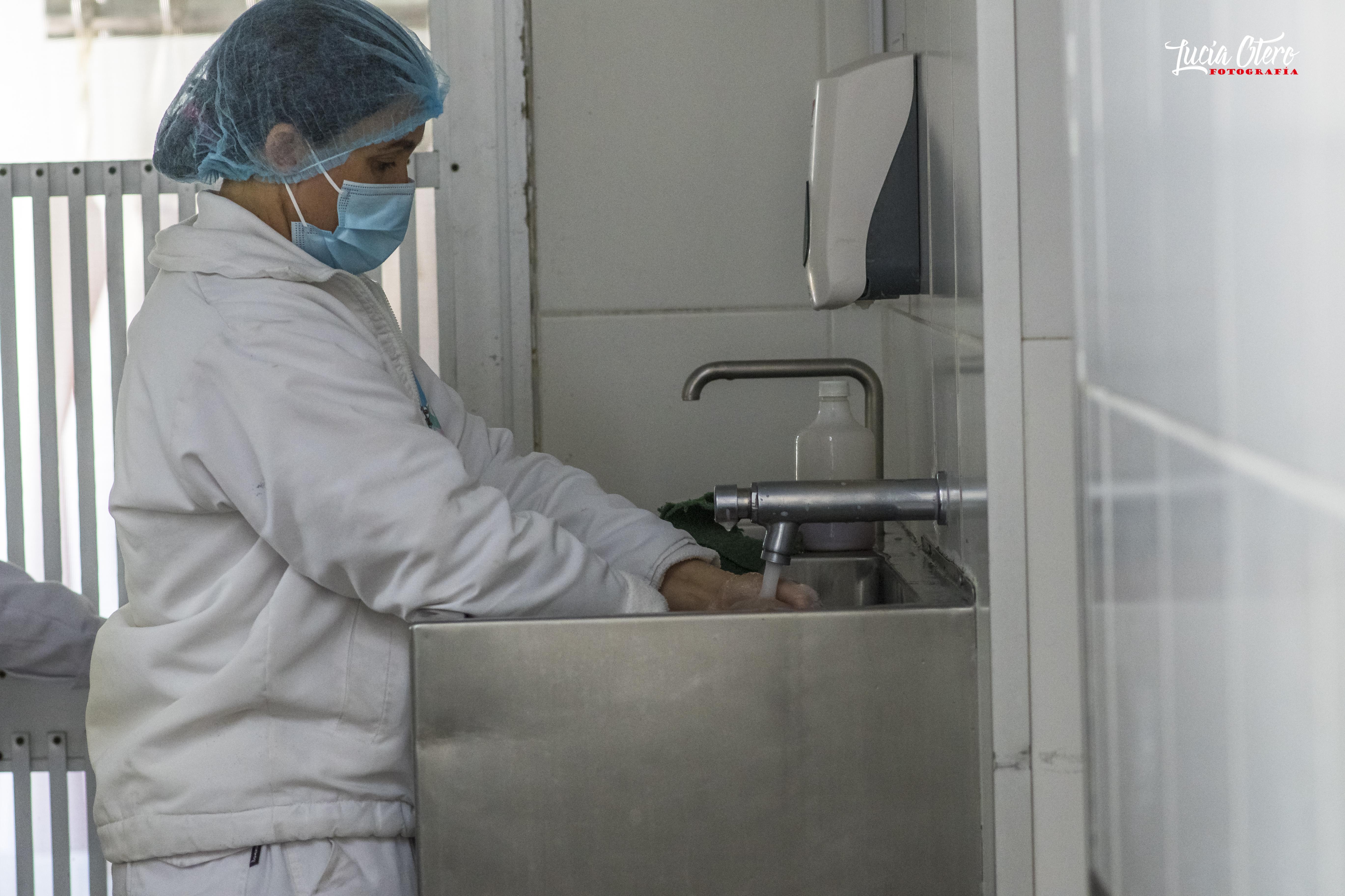 Higiene del personal en la entrada a la