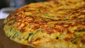 Tortilla de espinacas con queso Colonia sin sal y camarones.