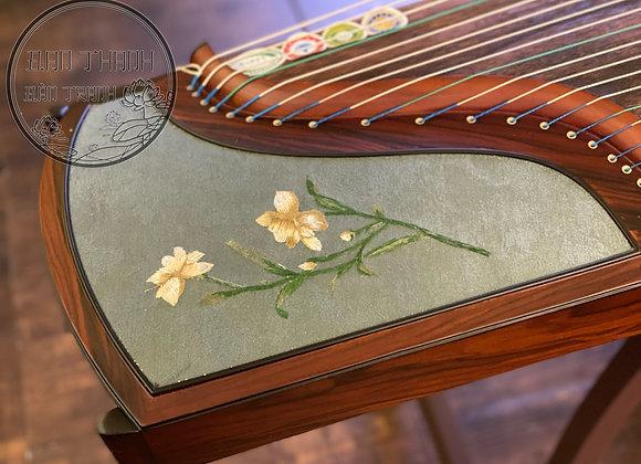 Guzheng fullsize 1m63 hoạ tiết hoa thêu nổi