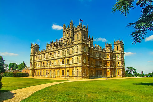 highclere-castle-848297_1920.jpg