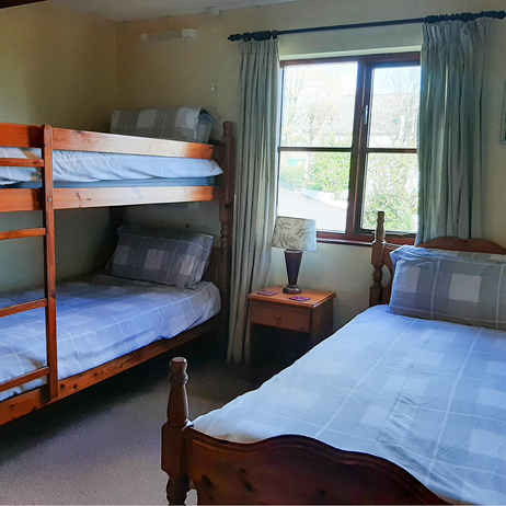 Chestnut triple room.png