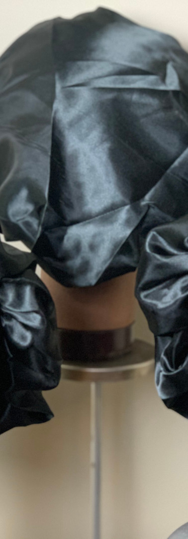 SCI Silk Blackk Jumbo Bonnets