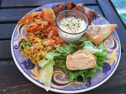 Assiette végétalienne midi !