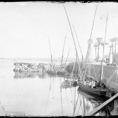 Plaque de verre : Assouan, rive du Nil, 1er février 1893.