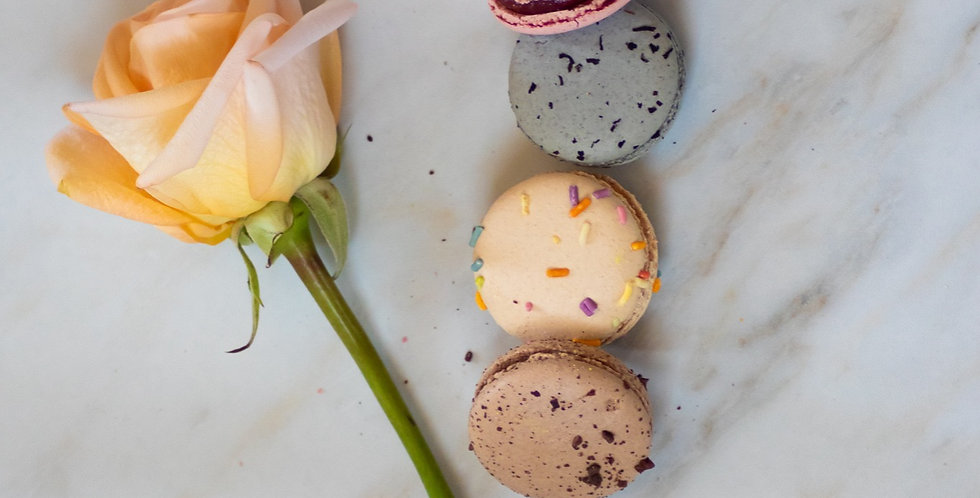 OXO Sweetheart | Florals & Treats