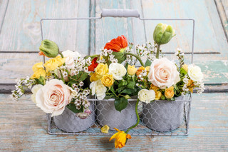 Floral arrangement with springtime flowe