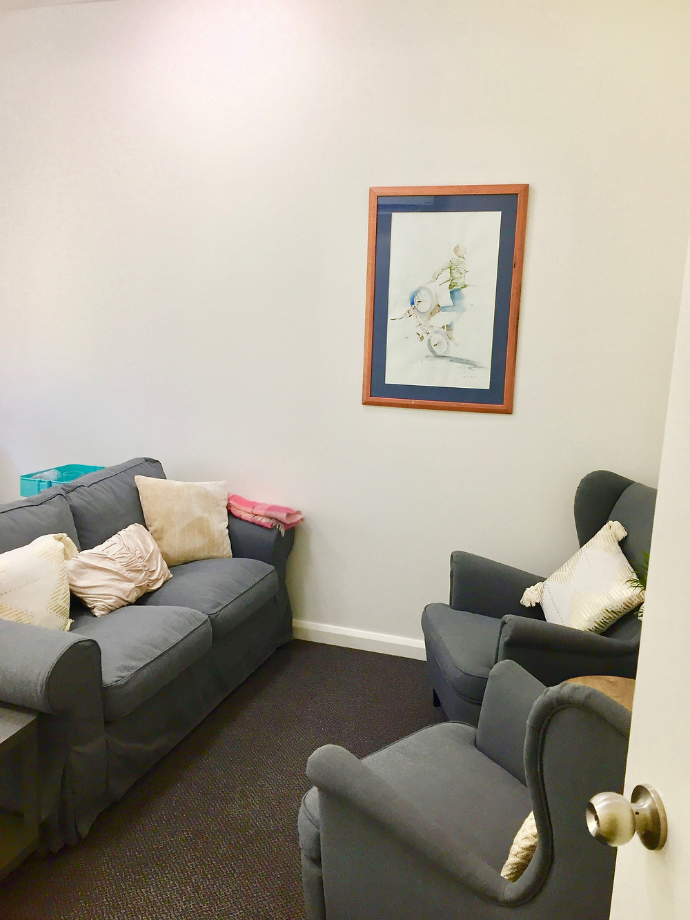 Una Window Counselling and Consulting therapy space