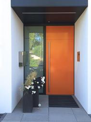 Bauhaus-Stil – klare Formen, frische Farben.
