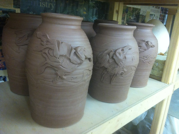 Vase With Bird Sculpture Design