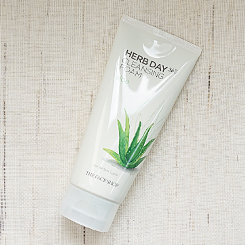 THE FACE SHOP Herb Day Cleansing Foam Aloe Vera