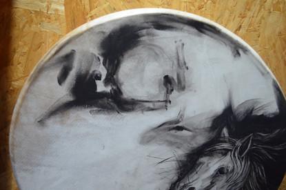 La cueva, el hombre, el tambor y los espíritus