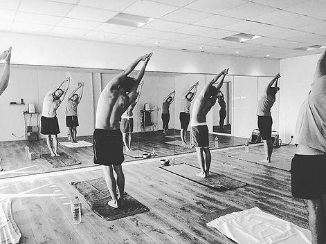 Demain dimanche #hotyoga chez #Om Yoga V