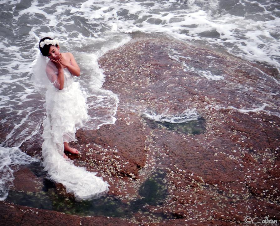 Bride posing, Qingdao, China.