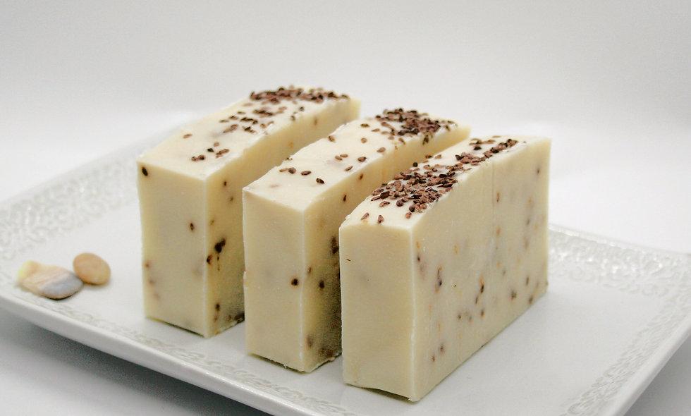 Edenic Cocoa butter & blackberry seed Soap bar