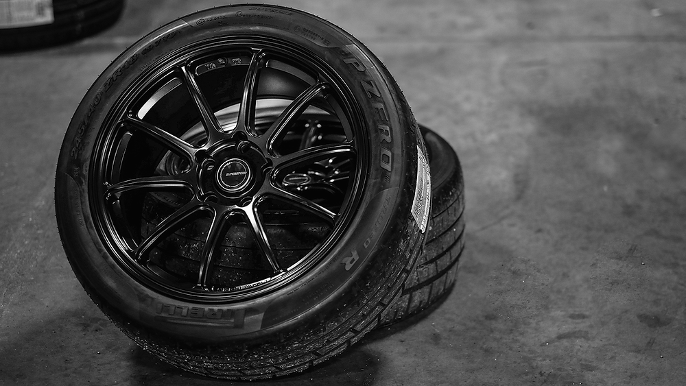 RF03RR with Pirelli Trofeo R