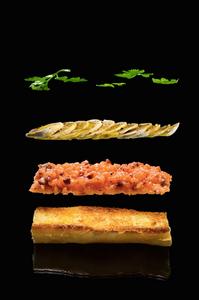 Brusketos su lašišos tartaru ir pievagrybiais, vmg receptas