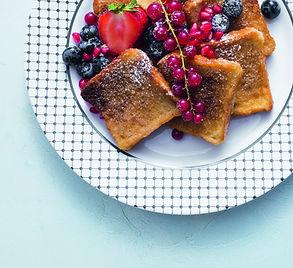 Karališki pusryčiai: prancūziškas skrebutis su uogomis (Receptas)