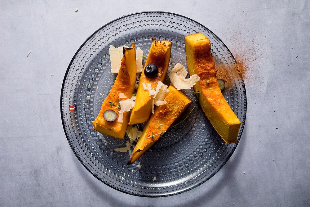 Keptos moliūgų skiltelės su sūriu, vmg receptas