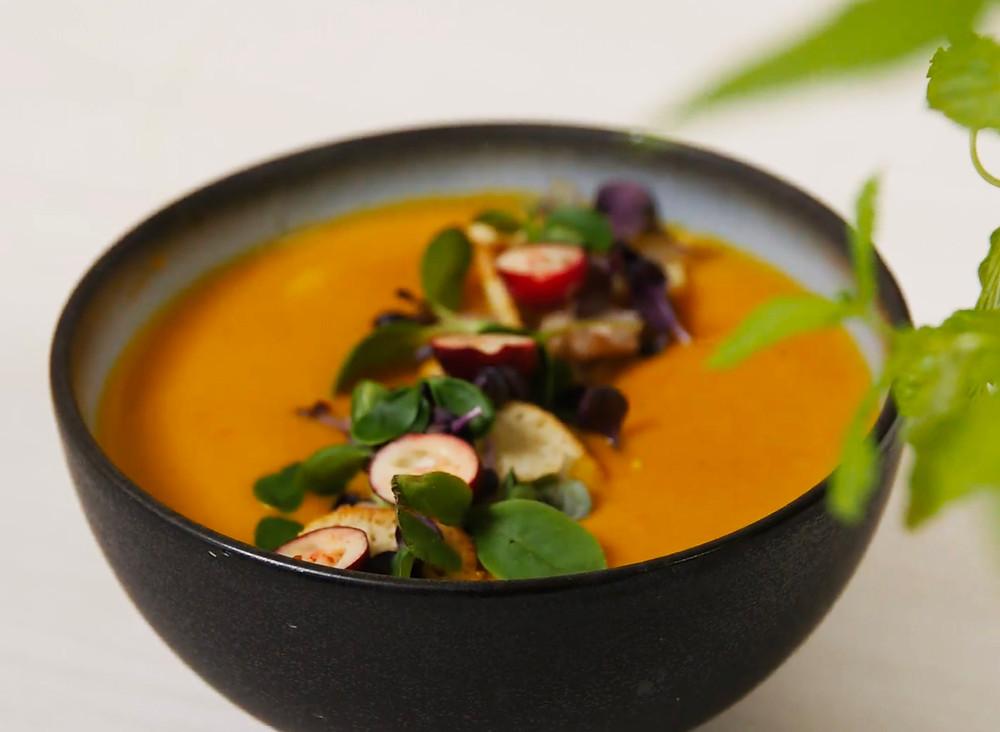 Kreminė moliūgų sriuba su ciberžole ir riešutų sviestu, receptas, Alfo Ivanausko receptai