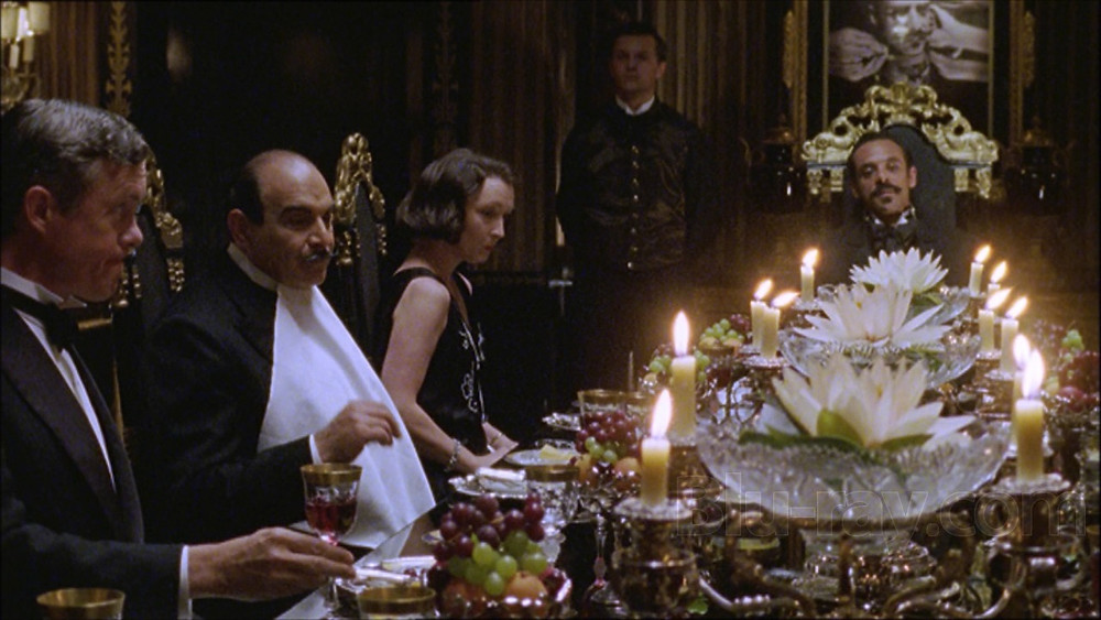 """Garsųjį detektyvą klasika tapusiame televizijos seriale """"Puaro"""" (Poirot, 1989-2013) 24-erius metus vaidino tas pats aktorius Davidas Suchet."""