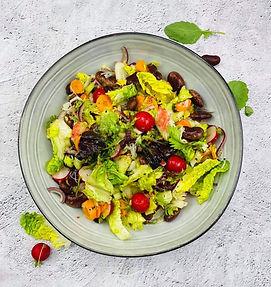 Gaivios salotos su netikėtu kivių padažu