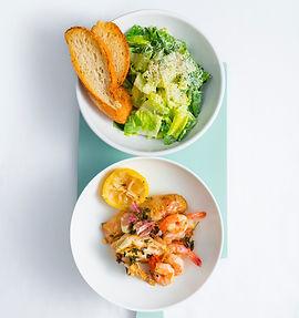 Netikėta draugystė: Cezario salotos su krevetėmis ir vištiena