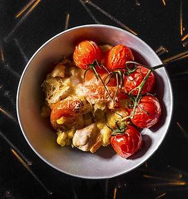 Umami skonio pilnas vištienos užkepėlės su pomidorais ir kukurūzais receptas