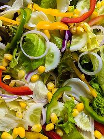 Sveikų salotų matematika: formulė, pagal kurią sukursite sveikatai naudingą patiekalą