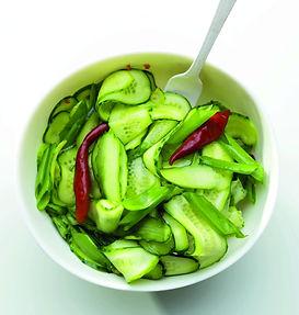 Patiekalai su agurkais visiems gyvenimo atvejams: nuo lėtų pusryčių iki žaibiškų vakarienių