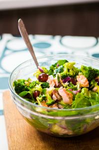 Karštos salotos su lašiša, vmg receptas