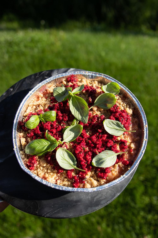 Ant grilio keptos vaisių salotos su trupiniais, grilio patiekalai, Alfo receptai