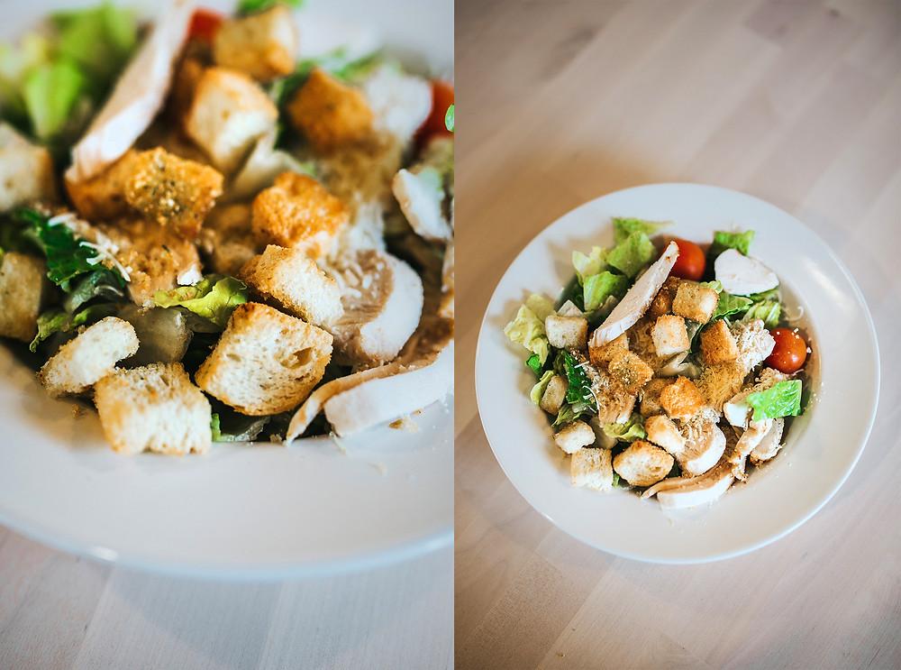 """""""Ikea"""" Cezario salotos su vištiena (2,59 Eur). Valerijos Stonytės nuotr."""