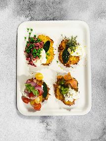 Traškiausi bulviniai blynai su 4 skirtingais pagardais – nustebins net ir ne bulvių mėgėjus