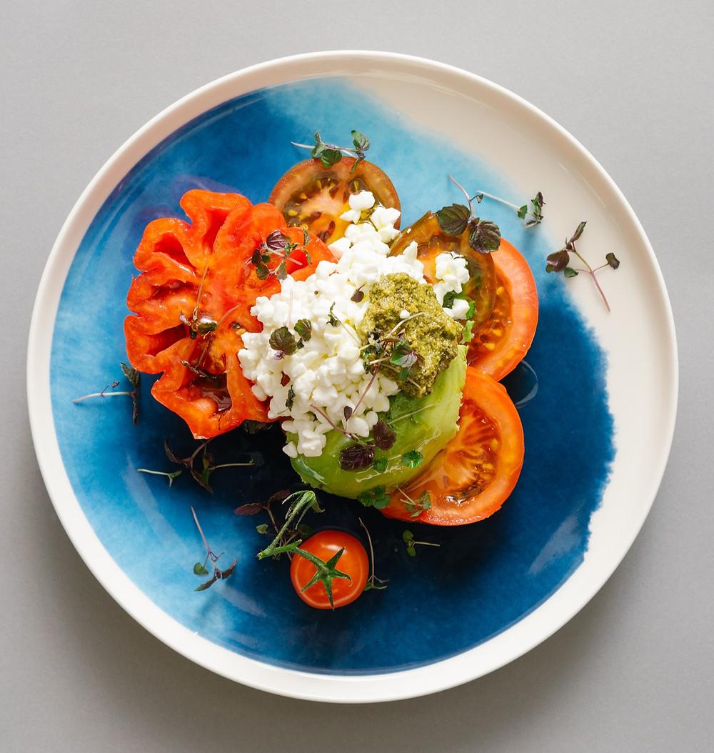 pomidorų salotos su grūdėtąja varške, Alfo Ivanausko receptas