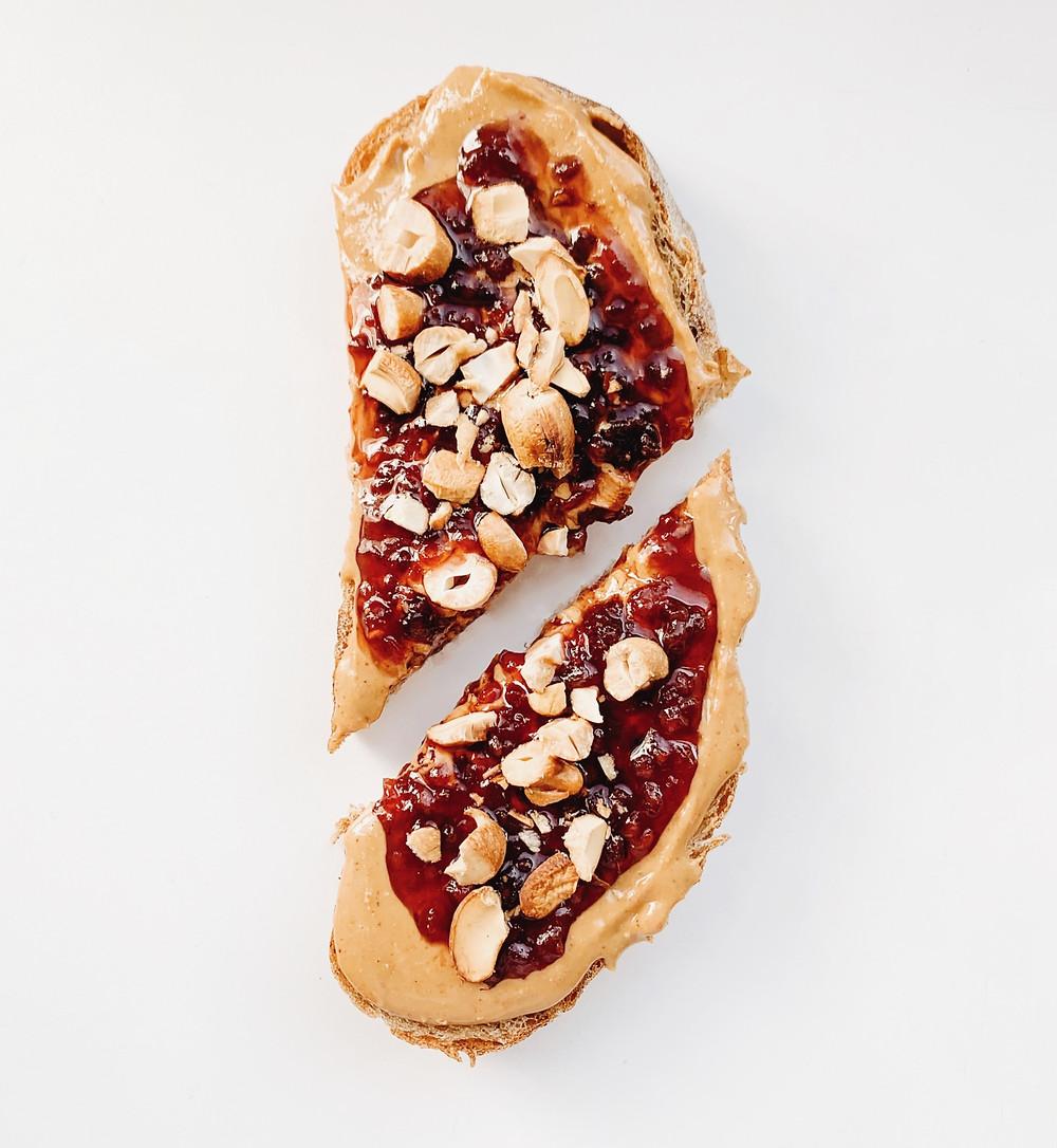 naminiai desertai, duona su uogiene, staple food, dietologė Barbora Jarašūnė
