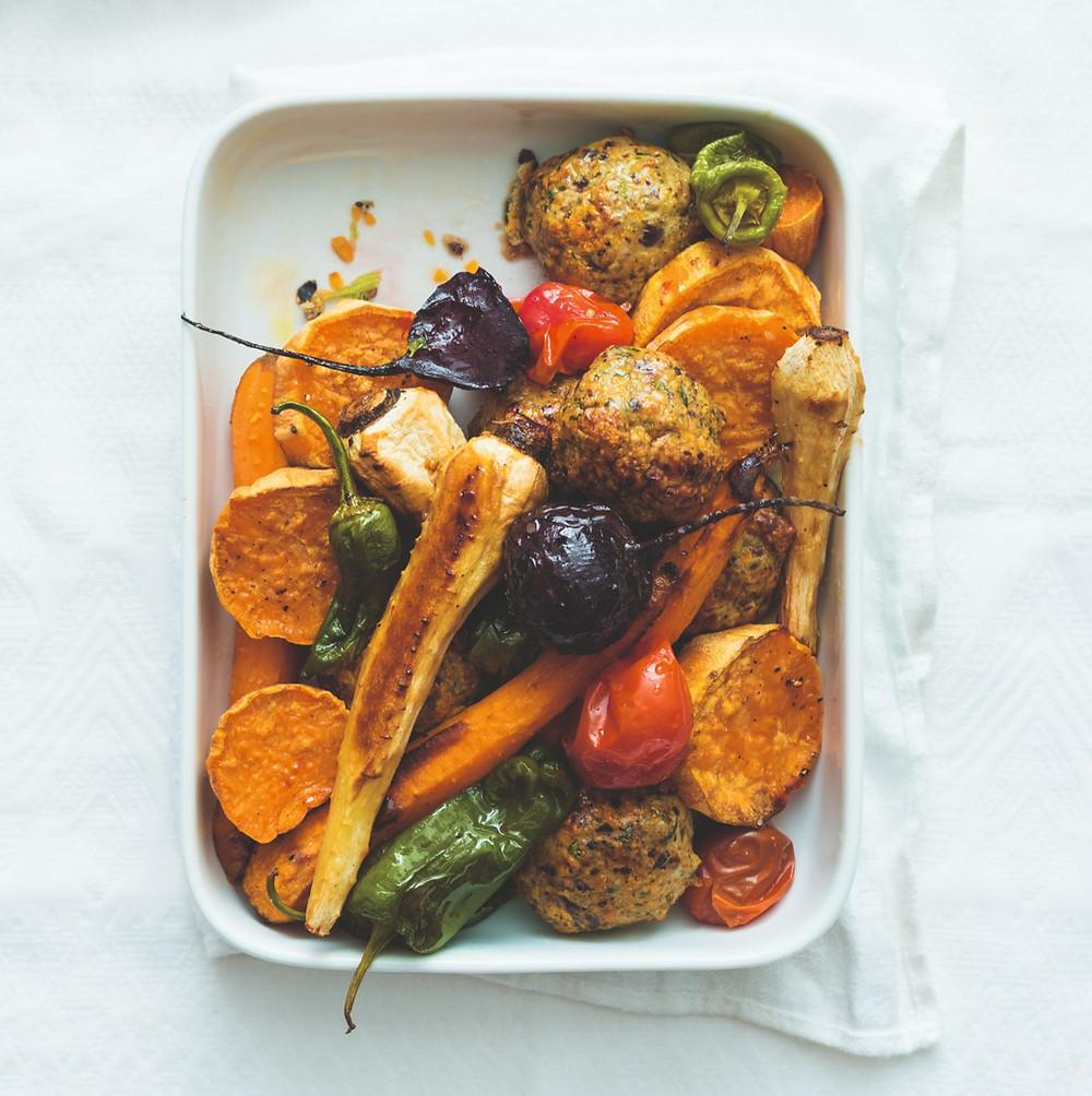 Kalakutienos kukuliai su orkaitėje keptomis daržovėmis, receptas, vmg receptas