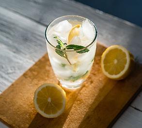 Naminis cinamoninis žolelių limonadas (Receptas)