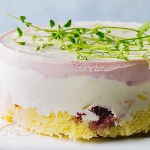 Tortas su varške