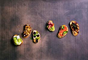 Traški duona ir gardūs priedai: naujametiniam vakarėliui ruoškite brusketas (receptai)
