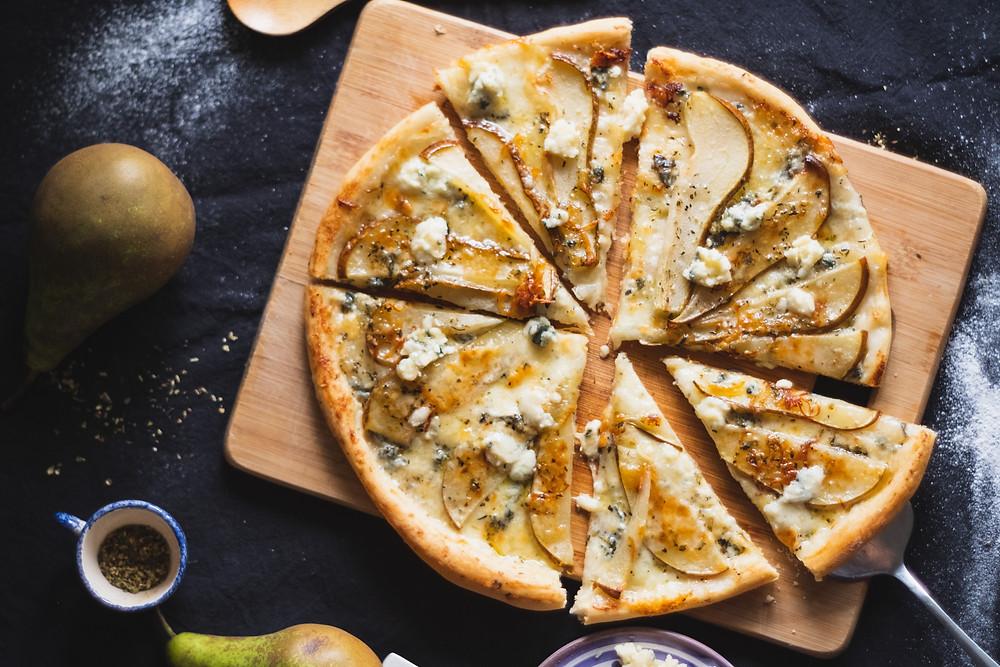 apkepėlė su kriaušėmis, varškės sūris, Alfo receptai, sluoksniuota tešla