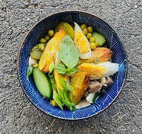 Vasarinė baltos mišrainės versija su neatsivalgomu padažu (Alfo receptas)