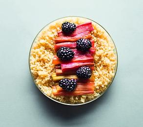 Nesaldūs gundymai: geriausi #vmgonline receptai su uogomis ne desertuose