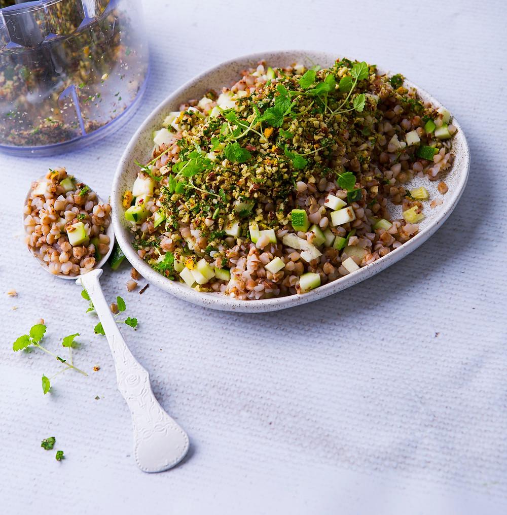 grikių ir riešutų salotos, VMG receptai