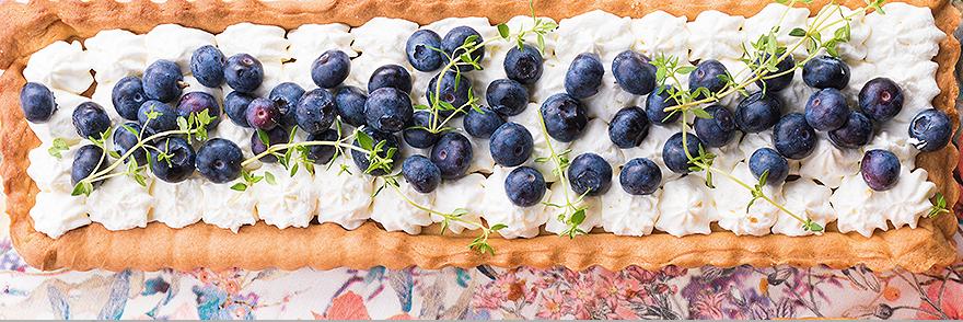 Atviras pyragas su kremu ir uogomis, vmg receptas